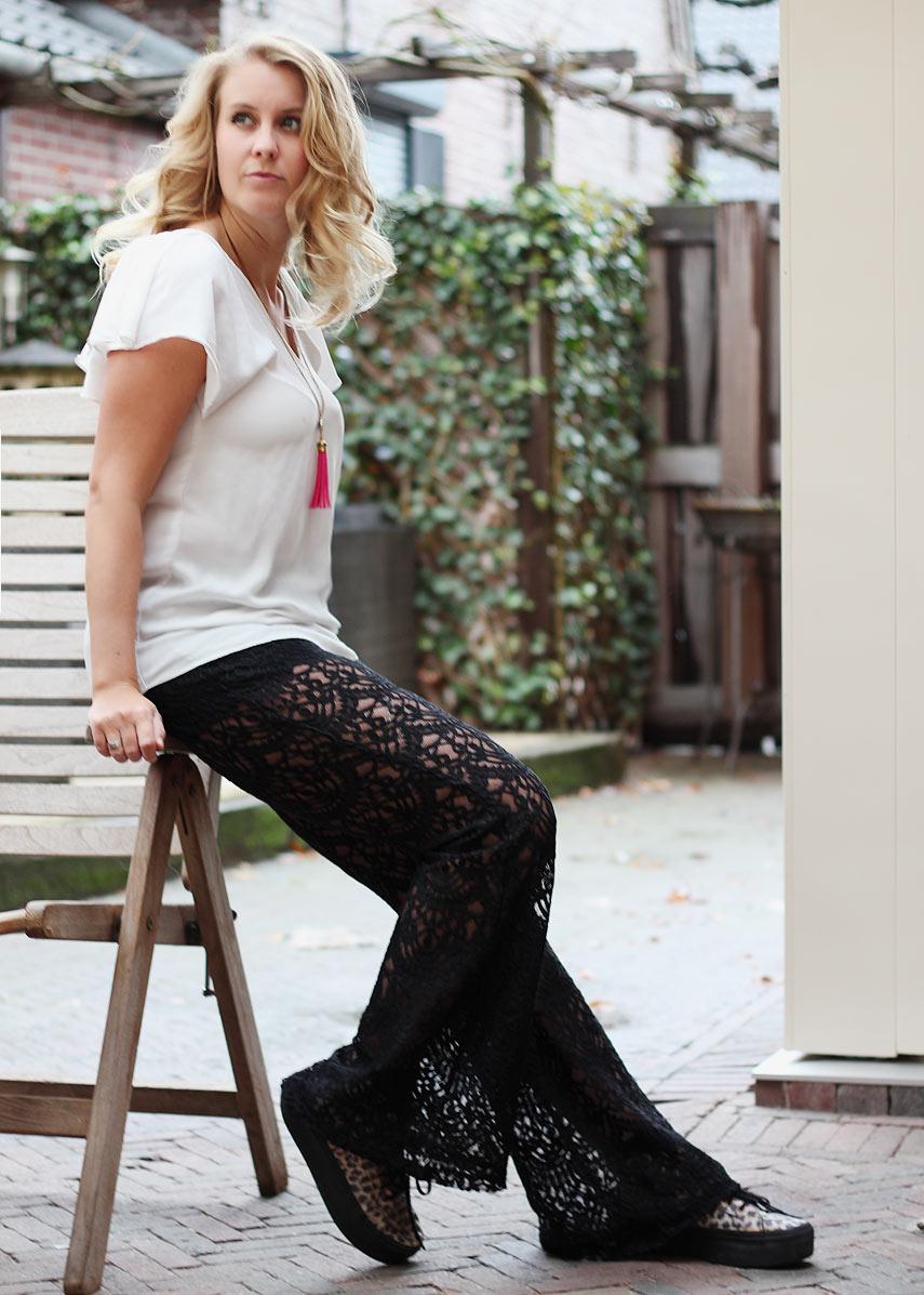 H&M coachella collectie kanten broek outfit