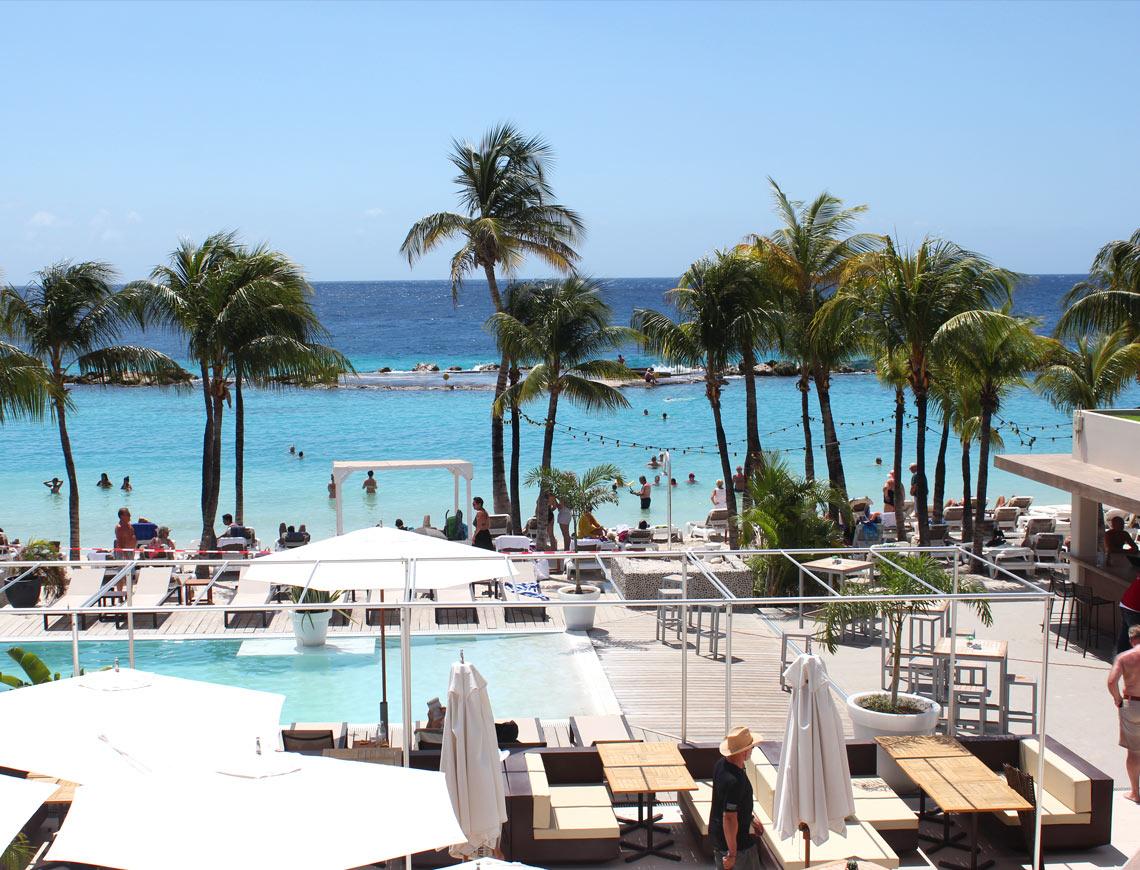 pool mambo beach curacao
