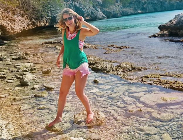 emigreren-curacao-eiland-meisje