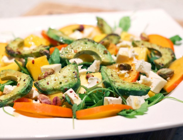 zomerse-salade-kaki-mango-avocado