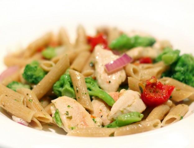pasta met brokolie en kip