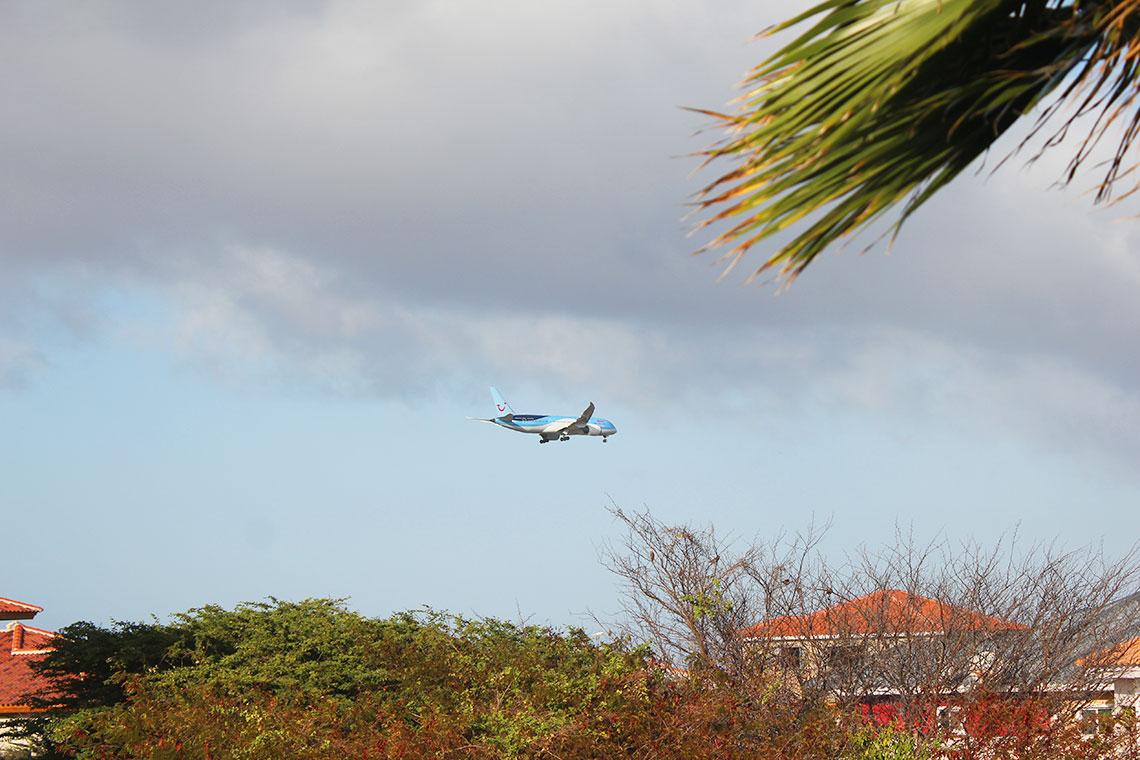 vliegtuig vanaf grote berg curacao