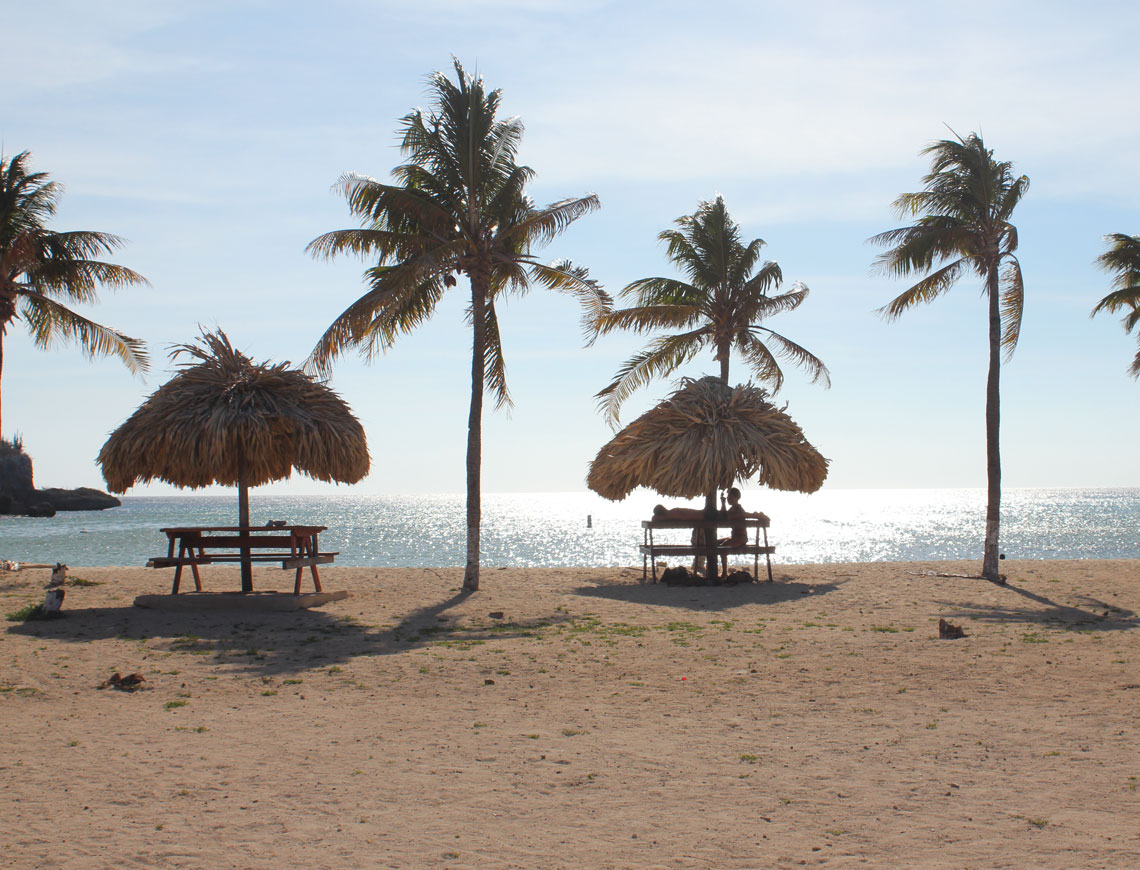 Santa Cruz strand curacao