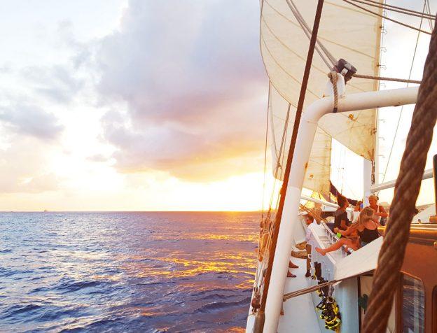 sunset trip Curacao   Insulinde