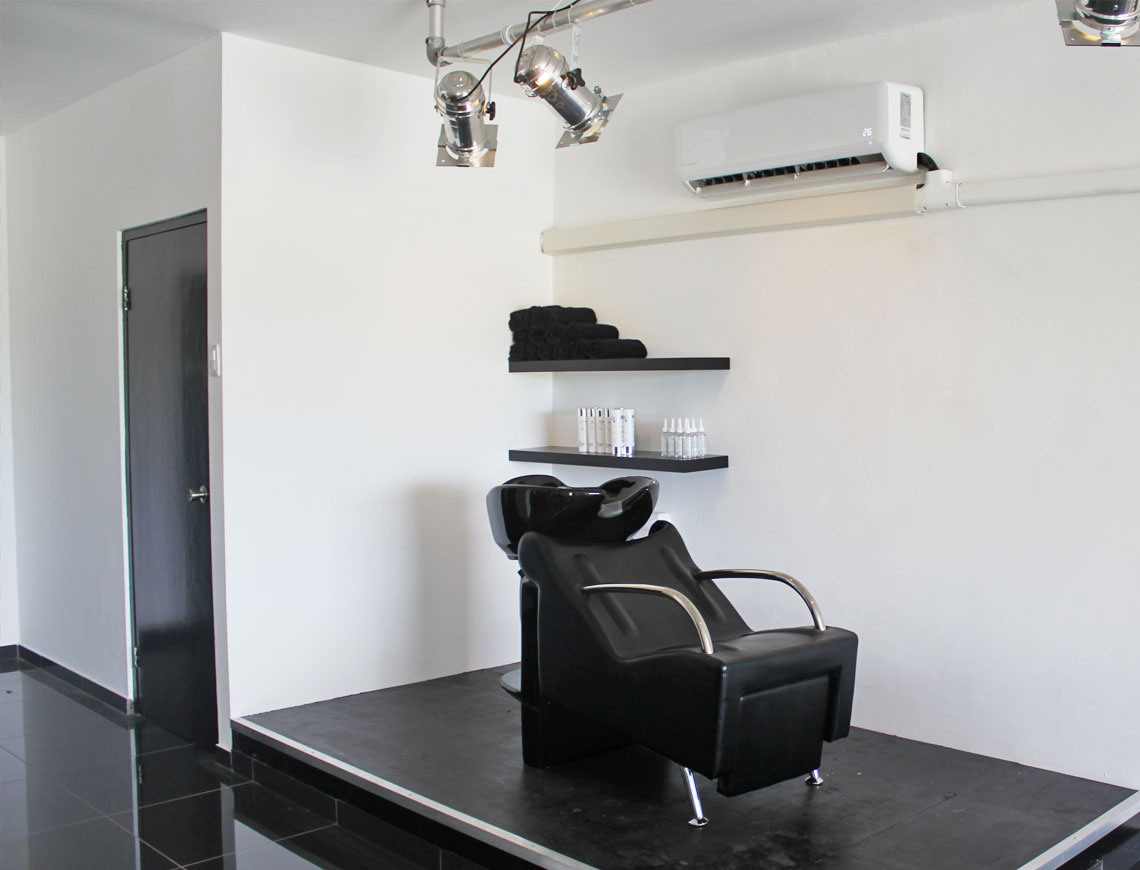 Hairextensions salon Curacao - Hairloxx