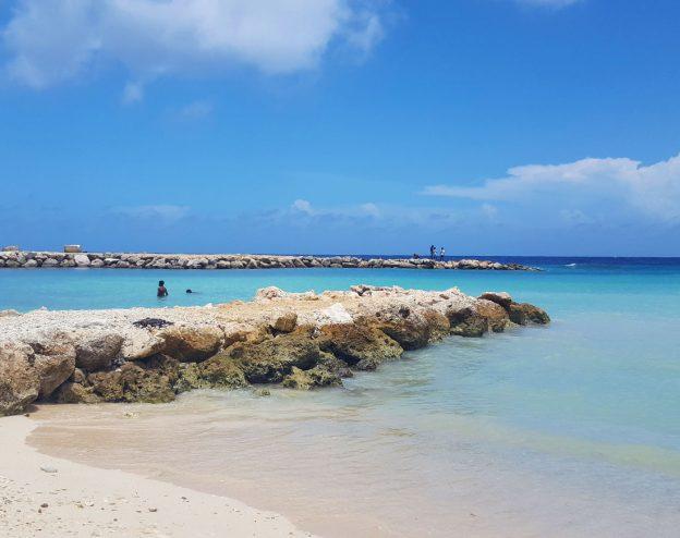 parasasa beach curacao