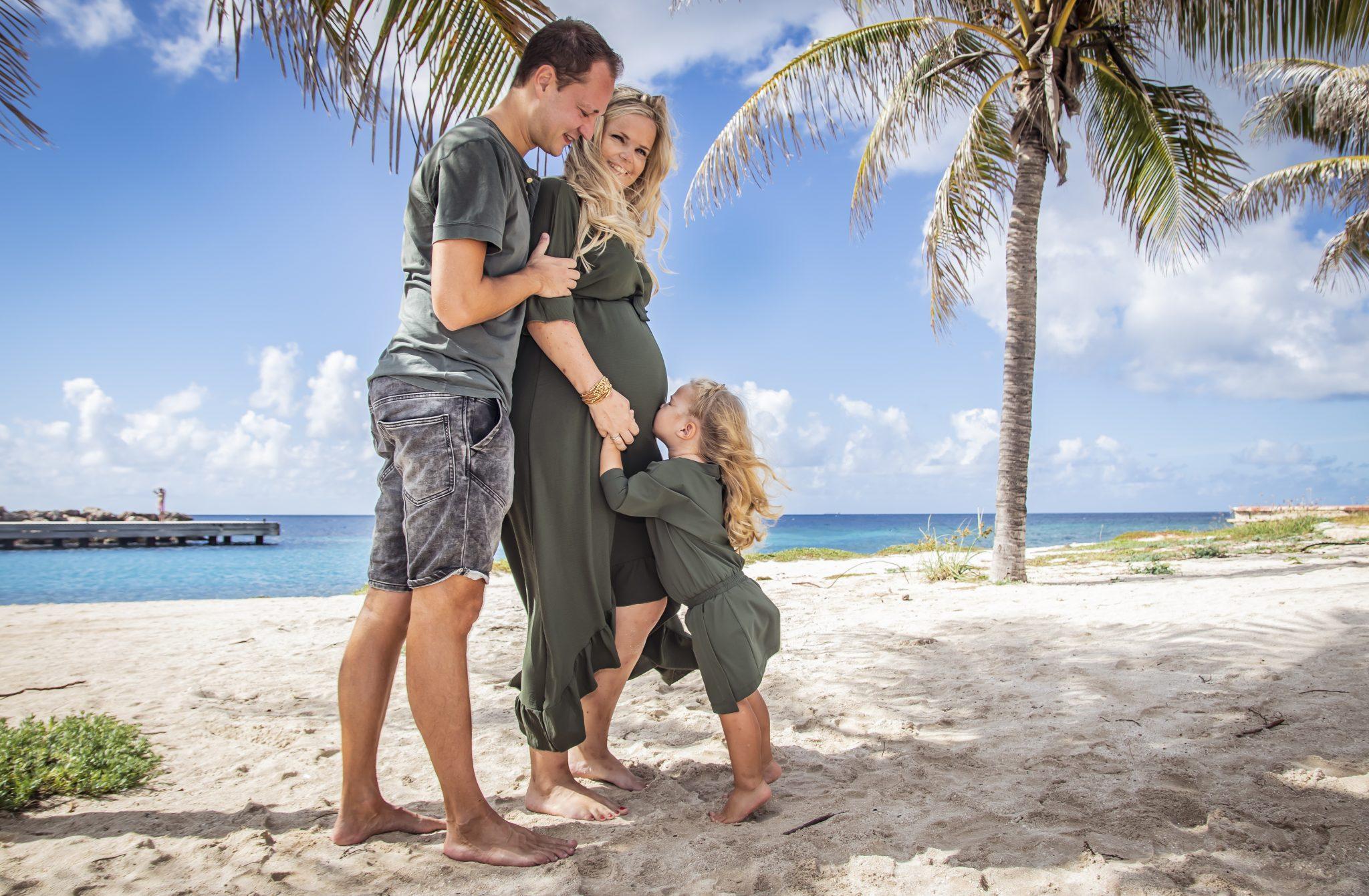 familie fotoshoot curacao op het strand